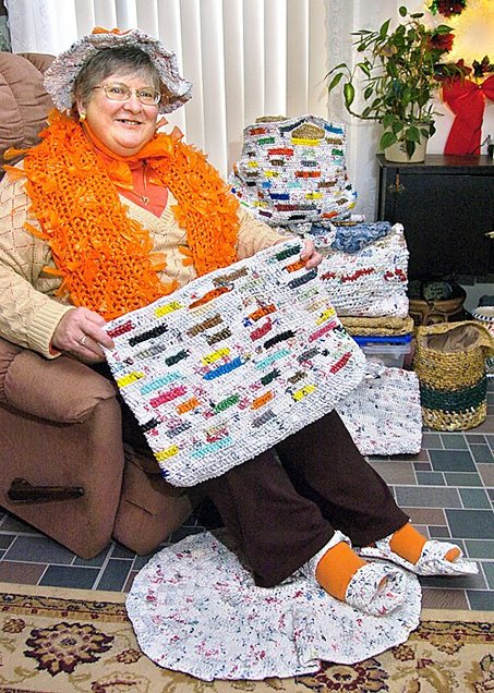 Many People Around The World Are Making Amazing Things From Discarded Plastic Bags