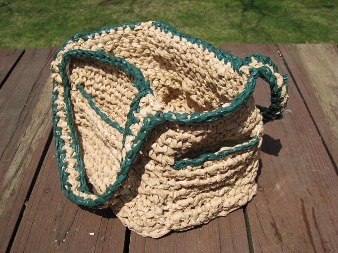 Crochet Pattern For Plastic Bag Tote : Plastic Bag Crochet Tote Bag With Pockets (3) BagsBeGone.com